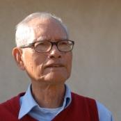 """Doãn Quốc Sỹ, sinh ngày 3 tháng 2 năm Quý Hợi tức ngày 17 tháng 2 năm 1923 dương lịch. Ông là con trưởng của gia đình văn nghệ sĩ. Tác phẩm nổi tiếng nhất của ông là Khu Rừng Lau, một trường thiên tiểu thuyết gồm có: Ba Sinh Hương Lửa (1962), Người Đàn Bà Bên Kia Vĩ Tuyến (1964), Tình Yêu Thánh Hóa (1965), Những Ngả Sông (1966)…Theo Lê Văn, đặc phái viên Việt Ngữ của Đài Tiếng nói Hoa Kỳ, trong một cuộc phỏng vấn ông, có dẫn chuyện rằng """"Ba Sinh Hương Lửa người ta thường ví như những tác phẩm lớn của Nga như Chiến tranh và hòa bình"""" trong đó nội dung mô tả lại những cảm xúc đớn đau của của một thế hệ thanh niên mới lớn tham gia vào công cuộc kháng chiến chống Pháp nhưng sau đó phát giác ra mình đã bị lợi dụng như công cụ đấu tranh giai cấp của những người cộng sản và """"có lẽ chính vì thế mà anh đã bị cộng sản bỏ tù khi họ khi chiếm được miền Nam"""" Sau năm 1975, ông bị chính quyền Việt Nam giam cầm nhiều lần vì tội """"viết văn chống phá cách mạng"""", tổng cộng là 14 năm trước khi được phép di cư sang Hoa Kỳ vào năm 1995. Hiện nay ông sống tại Houston, Texas từ khi sang định cư tại Hoa Kỳ. Ông là tác giả của khoảng 25 cuốn sách. Tác phẩm tiêu biểu: Sợ Lửa (1956) U Hoài (1957) Gánh Xiếc (1958) Gìn Vàng Giữ Ngọc Dòng Sông Ðịnh Mệnh (1959) Hồ Thuỳ Dương (1960) Trái Cây Ðau Khổ (1963) Người Việt Ðáng Yêu (1965) Cánh Tay Nối Dài (1966) Ðốt Biên Giới (1966) Sầu Mây (1970) Vào Thiền (1970) Khu Rừng Lau [6] Người Vái Tứ Phương Dấu Chân Cát Xóa Mình Lại Soi Mình"""
