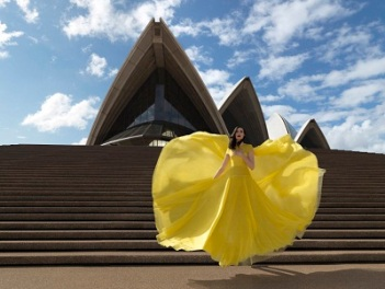 Áo Em Vàng Góc Phố Sydney